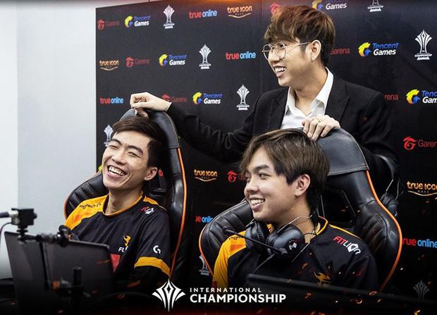 Có nội tại linh vật Huy Popper, Team Flash giành vé vào Bán kết AIC 2019, gặp lại HTVC IGP gaming - Ảnh 2.