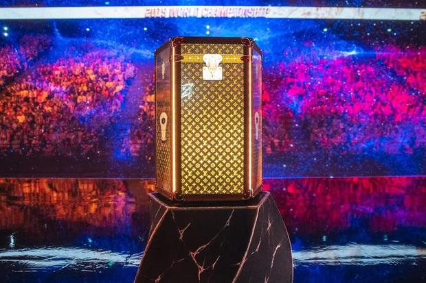Sân khấu siêu lung linh của CKTG Liên Minh Huyền Thoại 2019 được thiết kế như thế nào? - Ảnh 3.