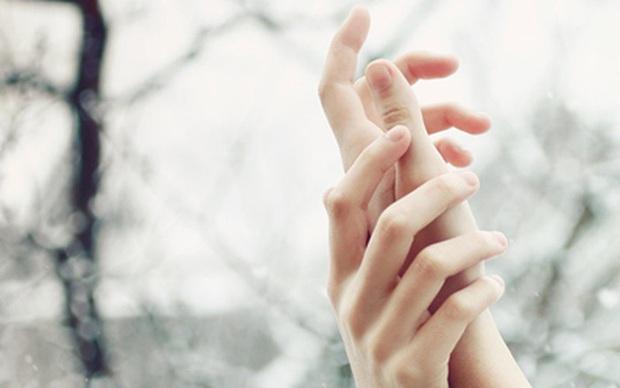 Tay nổi vân lòng bò: dấu hiệu lạ ở bàn tay cảnh báo nguy cơ mắc bệnh ung thư phổi mà bạn không nên coi thường - Ảnh 3.
