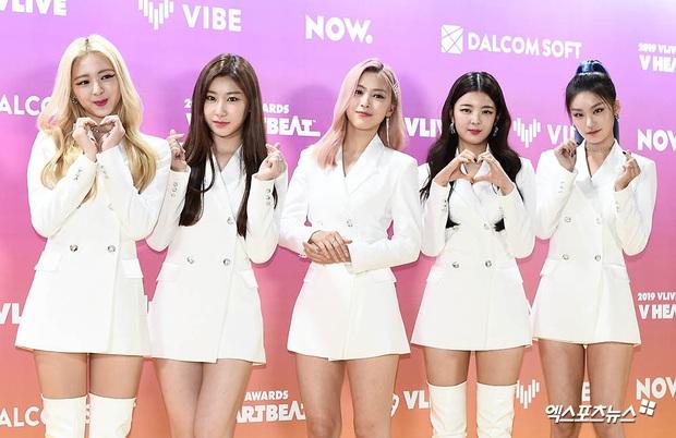 Thảm vàng hot nhất xứ Hàn: Noo Phước Thịnh bảnh bao đọ sắc dàn nam thần NCT và GOT7,  ITZY chặt đẹp MAMAMOO - Ảnh 18.