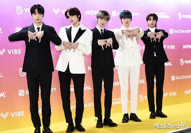 Thảm vàng hot nhất xứ Hàn: Noo Phước Thịnh bảnh bao đọ sắc dàn nam thần NCT và GOT7,  ITZY chặt đẹp MAMAMOO - Ảnh 20.