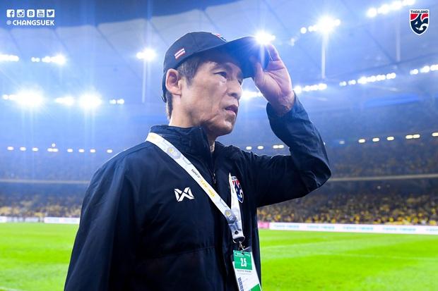 HLV đội tuyển Thái Lan tiết lộ sai lầm trong trận gặp Malaysia, thừa nhận cầu thủ đang gặp áp lực quá lớn trước khi đối đầu Việt Nam - Ảnh 1.