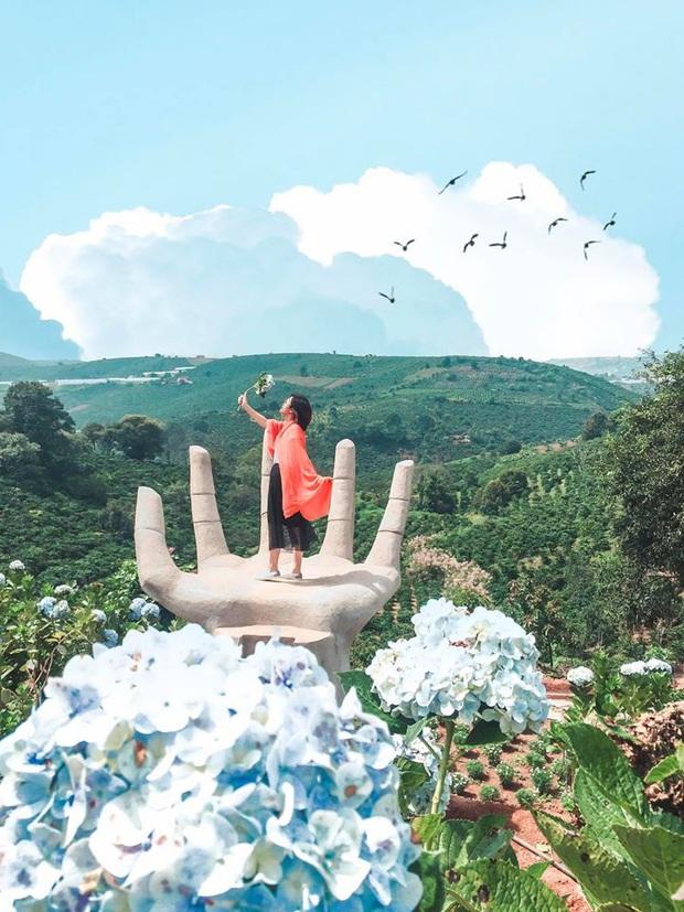 """Đà Lạt lại xuất hiện góc sống ảo mới """"sao chép"""" ý tưởng từ Bali, lên hình liệu """"có cửa"""" so với bản gốc? - Ảnh 3."""