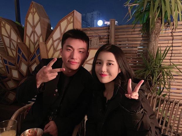 Han Sara khoe ảnh chụp cùng Daesung sau 6 ngày thành viên nhóm Big Bang xuất ngũ - Ảnh 1.