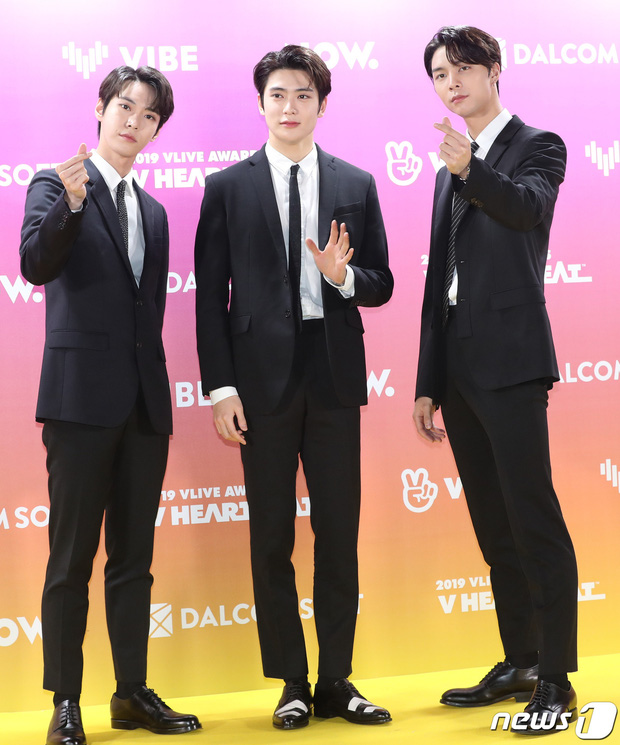 Thảm vàng hot nhất xứ Hàn: Noo Phước Thịnh bảnh bao đọ sắc dàn nam thần NCT và GOT7,  ITZY chặt đẹp MAMAMOO - Ảnh 6.