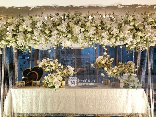 Không gian đám cưới Bảo Thy tại khách sạn 6 sao siêu sang chảnh: Trang trí giản đơn nhưng vẫn toát lên gia thế khủng! - Ảnh 5.