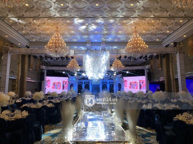 Không gian đám cưới Bảo Thy tại khách sạn 6 sao siêu sang chảnh: Trang trí giản đơn nhưng vẫn toát lên gia thế khủng! - Ảnh 6.