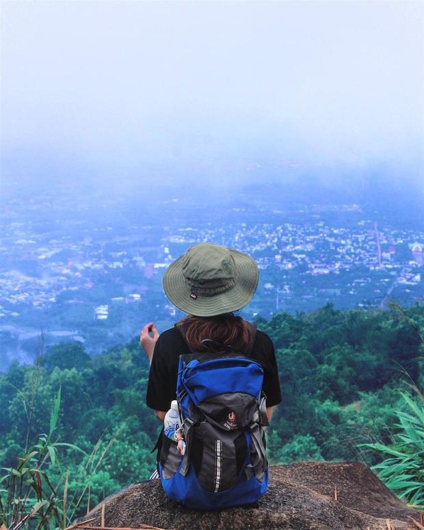 Tuổi trẻ nhất định phải một lần được đi leo núi, cuối tuần muốn trốn khỏi Sài Gòn thì thử chinh phục 4 chỗ này xem! - Ảnh 11.