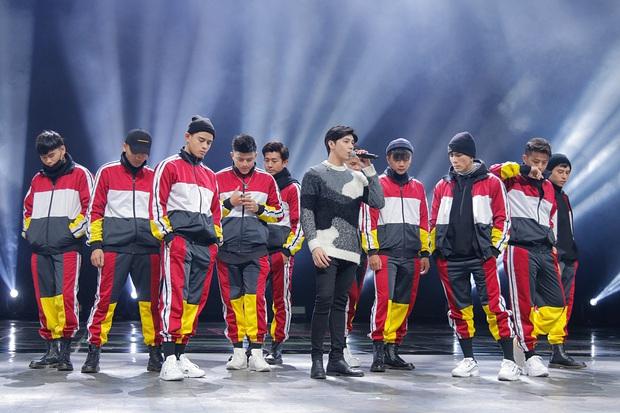 Noo Phước Thịnh mặt mộc mà vẫn cực bảnh, hé lộ sân khấu tổng duyệt trước lễ trao giải khủng ở Hàn - Ảnh 7.