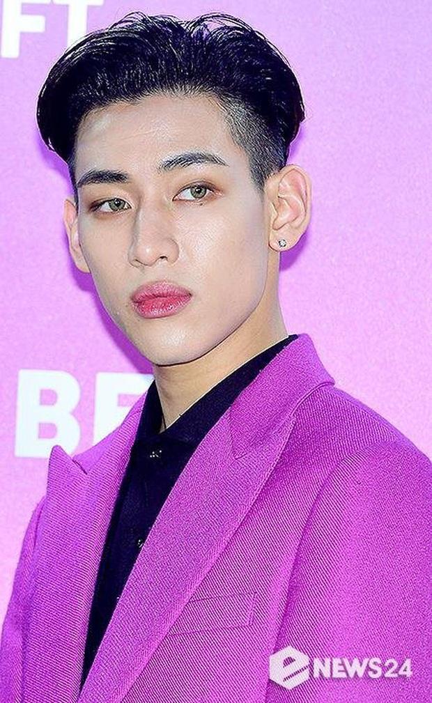Noo Phước Thịnh makeup sai nhẹ nên kém đẹp vài phần, nhưng vẫn hên hơn những idol nam từng bị trang điểm hại - Ảnh 4.