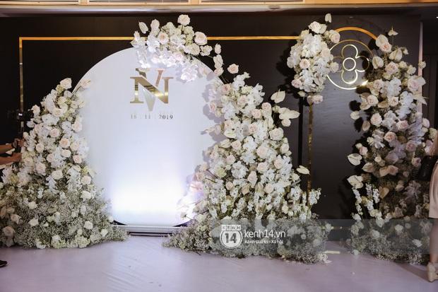 Không chỉ Bảo Thy, đám cưới Giang Hồng Ngọc cũng gây ấn tượng với thực đơn năm châu hội tụ - Ảnh 1.