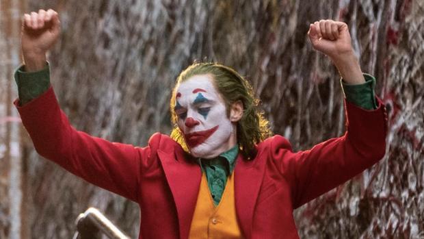 Joker là phim 18+ đầu tiên húp trọn tỉ đô doanh thu nhưng nhiêu đó có đủ để đoạt tượng vàng Oscar? - Ảnh 1.
