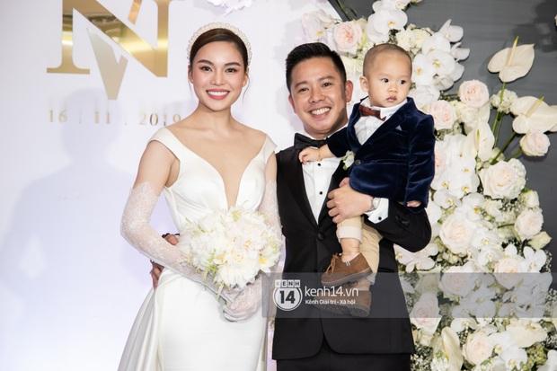 Hồ Hoài Anh - Lưu Hương Giang sánh đôi cực tình, cùng dàn sao đình đám Vbiz đổ bộ đám cưới Giang Hồng Ngọc - Ảnh 2.