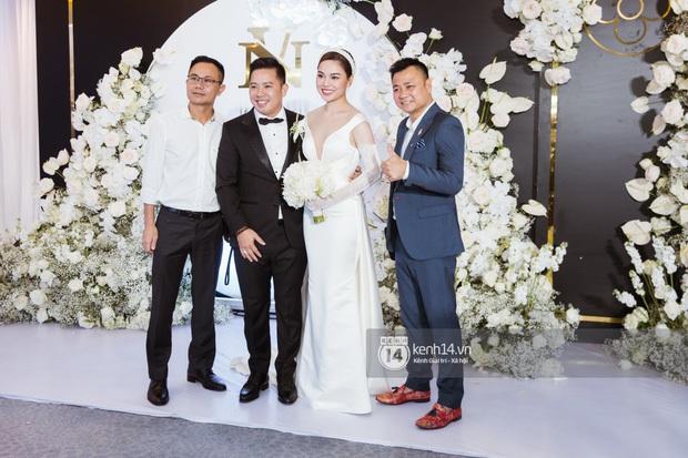 Dàn nghệ sĩ Vbiz nô nức hội ngộ, nhắn nhủ nhiều lời chúc phúc trong đám cưới Giang Hồng Ngọc và ông xã doanh nhân - Ảnh 3.