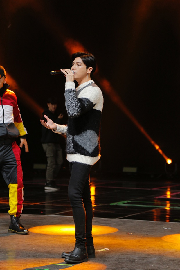 Trước giờ G, Noo Phước Thịnh mướt mồ hôi tập luyện cho màn trình diễn khủng tại lễ trao giải ở Hàn Quốc - Ảnh 7.