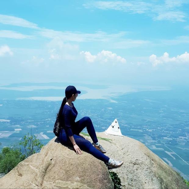 Tuổi trẻ nhất định phải một lần được đi leo núi, cuối tuần muốn trốn khỏi Sài Gòn thì thử chinh phục 4 chỗ này xem! - Ảnh 5.