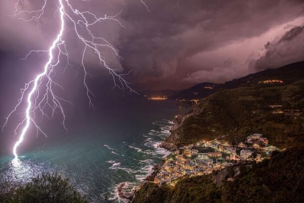 Những bức ảnh đẹp nghẹt thở về thời tiết đoạt giải năm 2019 - Ảnh 2.
