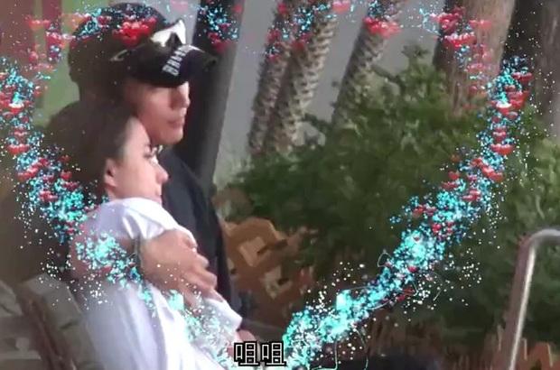 Mỹ nam Sở Kiều Truyện cung phụng thiên kim Macau như bà hoàng, đánh dấu chủ quyền ôm hôn mùi mẫn - Ảnh 4.