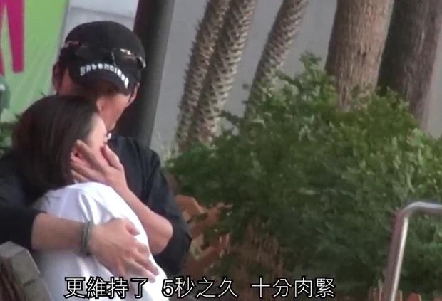 Mỹ nam Sở Kiều Truyện cung phụng thiên kim Macau như bà hoàng, đánh dấu chủ quyền ôm hôn mùi mẫn - Ảnh 6.