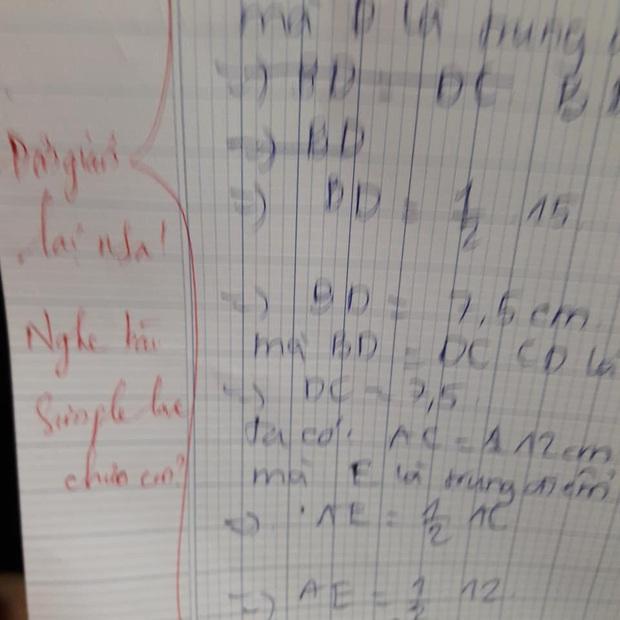 Học sinh làm sai phép toán cực kỳ dễ, cô giáo chấm bài chỉ biết nhận xét: Chấm mà tức á khiến dân mạng cười bò - Ảnh 1.
