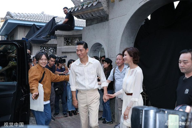 Bị phản đối dữ dội, siêu mẫu ngực khủng xứ Đài Lâm Chí Linh vẫn váy cưới lộng lẫy tập dượt trước hôn lễ với chồng Nhật kém 7 tuổi - Ảnh 6.