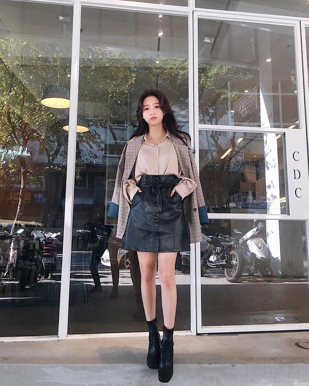 Hết Yoona rồi đến Hà Tăng ưu ái diện chân váy da, bạn sao có thể kìm lòng trước item sang chảnh hào nhoáng này? - Ảnh 10.