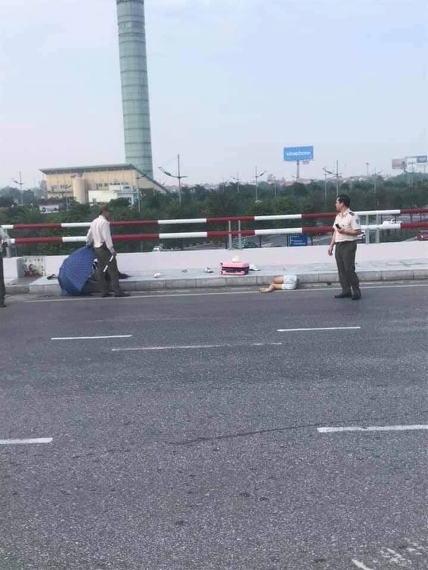 Hà Nội: Không làm chủ tốc độ, phóng xe vào làn đường ô tô lên nhà ga Nội Bài, một phụ nữ tử vong  - Ảnh 1.