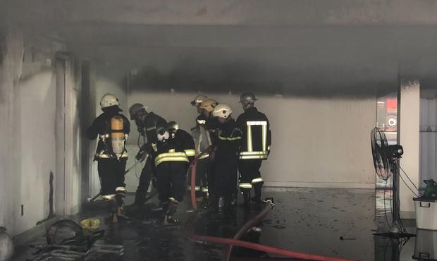 Cháy dữ dội tại tầng hầm biệt thự chứa nhiều ôtô sang của đại gia thép, nhiều tài sản bị thiêu rụi - Ảnh 3.
