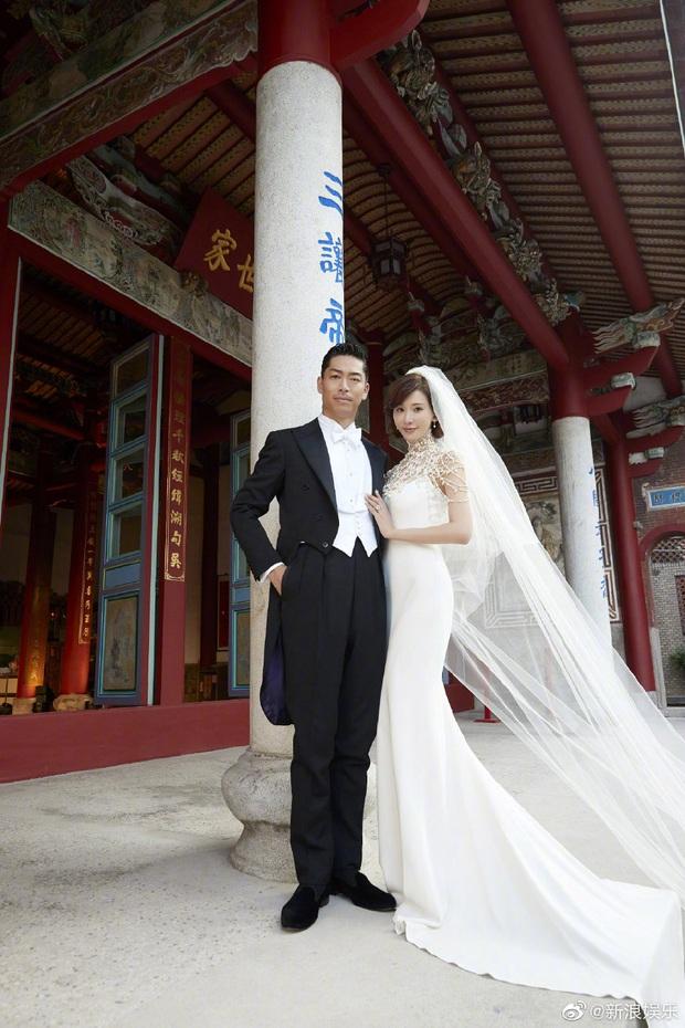 Đám cưới hot nhất Cbiz hôm nay: Siêu mẫu Lâm Chí Linh liên tục khóc, hôn nồng nhiệt chồng Nhật kém 7 tuổi - Ảnh 12.