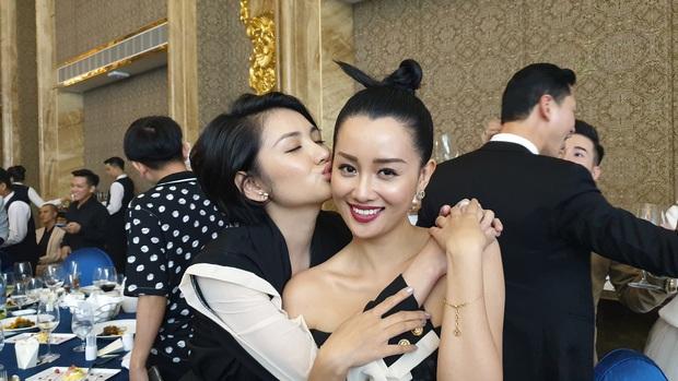 Đám cưới Bảo Thy nhiều mỹ nhân nhưng MC Quỳnh Chi vẫn chiếm spotlight với khí chất ngời ngời dù đã 33 tuổi - Ảnh 4.