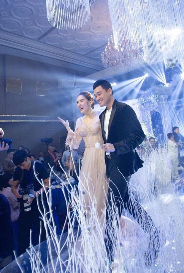 Khi Hoàng tử sơn ca Quang Vinh và Công chúa bong bóng Bảo Thy hội ngộ trong tiệc cưới: Giá mà được nghe họ song ca thì tuyệt! - Ảnh 3.