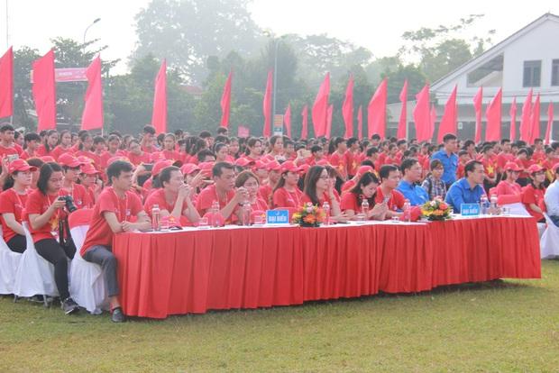 """Gần 2.000 đoàn viên thanh niên tỉnh Nghệ An tham dự Hành trình """"Tôi yêu Tổ quốc tôi"""" - Ảnh 4."""