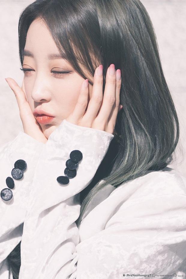 Chói mắt với làn da trắng như ngọc của 9 idol Kpop: Jisoo (BLACKPINK), ai ngờ Suga (BTS) và dàn mỹ nam còn đỉnh hơn - Ảnh 17.