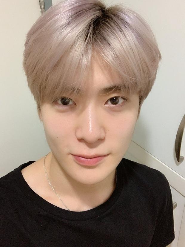 Chói mắt với làn da trắng như ngọc của 9 idol Kpop: Jisoo (BLACKPINK), ai ngờ Suga (BTS) và dàn mỹ nam còn đỉnh hơn - Ảnh 20.