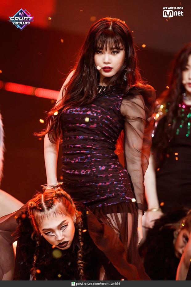Top 50 nữ idol hot nhất hiện nay: Hwasa đè bẹp cả Jennie - Taeyeon, cả nhóm tân binh (G)I-DLE vươn lên quá nguy hiểm - Ảnh 6.