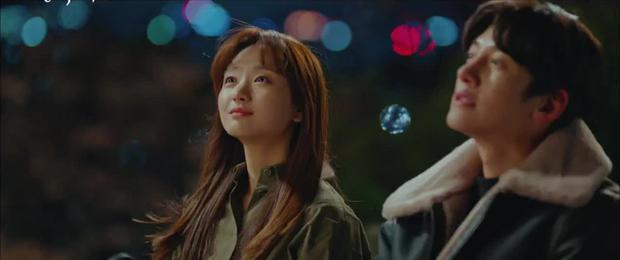 Thánh nhọ lại chiếu không trượt Ji Chang Wook: Vừa thoát kiếp đông lạnh lại chứng kiến người yêu bị đâm giữa đường - Ảnh 9.