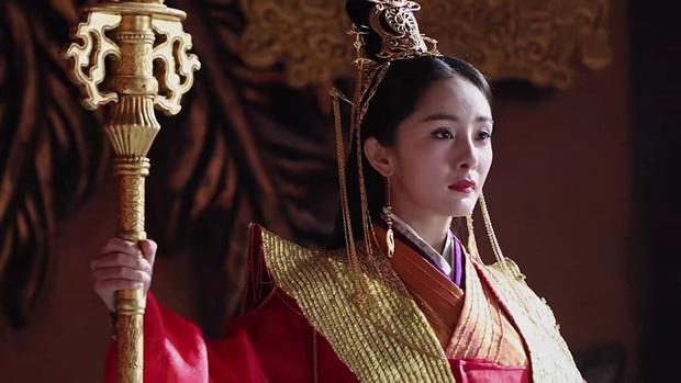 4 mĩ nhân đánh lừa cả thiên hạ trên màn ảnh châu Á: Minh Tú cao tay nhưng chưa bằng cô Ni của Chiếc Lá Bay - Ảnh 10.