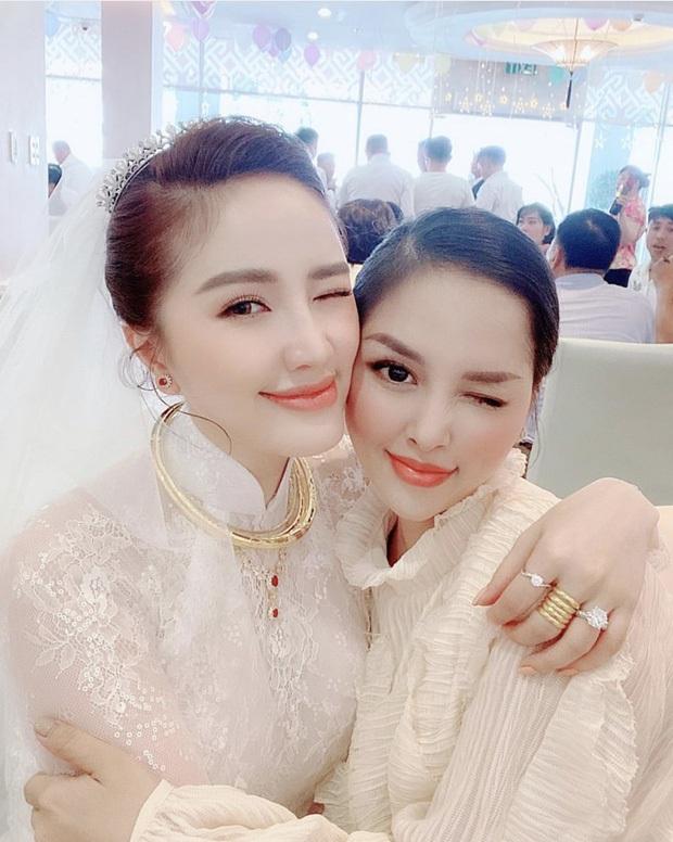 Cô dâu Bảo Thy: 2 ngày cùng tông makeup nhưng lễ rước dâu dịu dàng bao nhiêu thì đám cưới lại sắc sảo lộng lẫy bấy nhiêu - Ảnh 5.