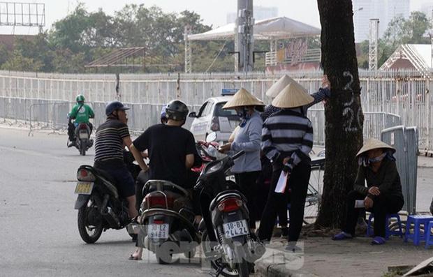 Dân phe hét vé trận Việt Nam - Thái Lan gấp 10 lần giá gốc - Ảnh 7.