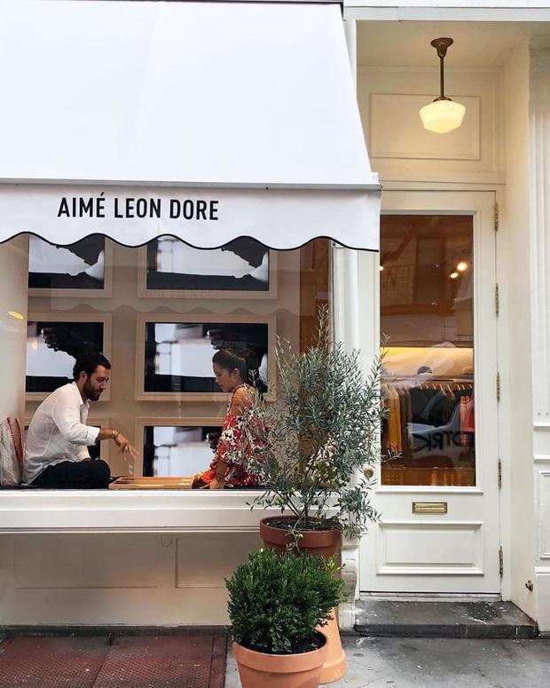 Khi những ông lớn ngành thời trang nổi hứng muốn... bán cafe: Không làm thì thôi, đã làm thì sang chảnh không ai bằng! - Ảnh 7.