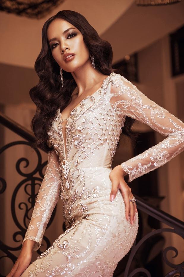 Top 45 Hoa hậu Hoàn vũ Việt Nam lộ diện: Thúy Vân khoe ngực đầy, đọ sắc cực gắt bên dàn mỹ nhân váy xẻ táo bạo - Ảnh 6.