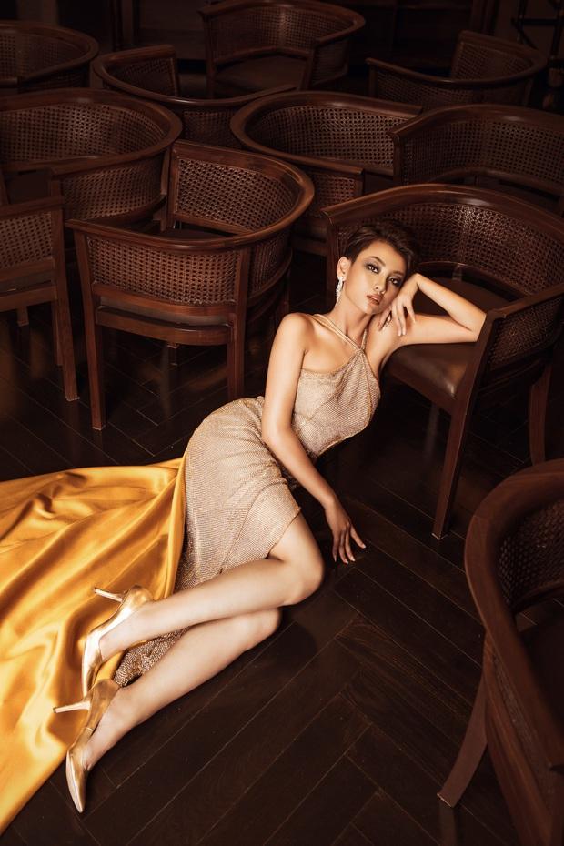Top 45 Hoa hậu Hoàn vũ Việt Nam lộ diện: Thúy Vân khoe ngực đầy, đọ sắc cực gắt bên dàn mỹ nhân váy xẻ táo bạo - Ảnh 4.