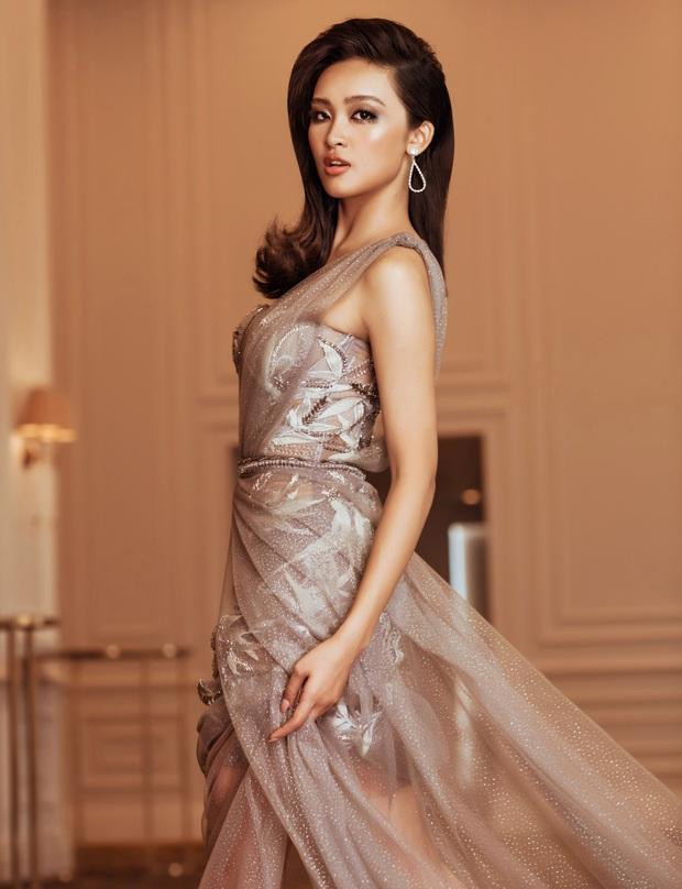 Top 45 Hoa hậu Hoàn vũ Việt Nam lộ diện: Thúy Vân khoe ngực đầy, đọ sắc cực gắt bên dàn mỹ nhân váy xẻ táo bạo - Ảnh 8.