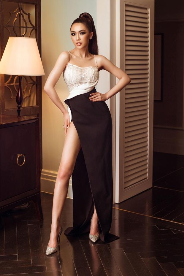 Top 45 Hoa hậu Hoàn vũ Việt Nam lộ diện: Thúy Vân khoe ngực đầy, đọ sắc cực gắt bên dàn mỹ nhân váy xẻ táo bạo - Ảnh 2.