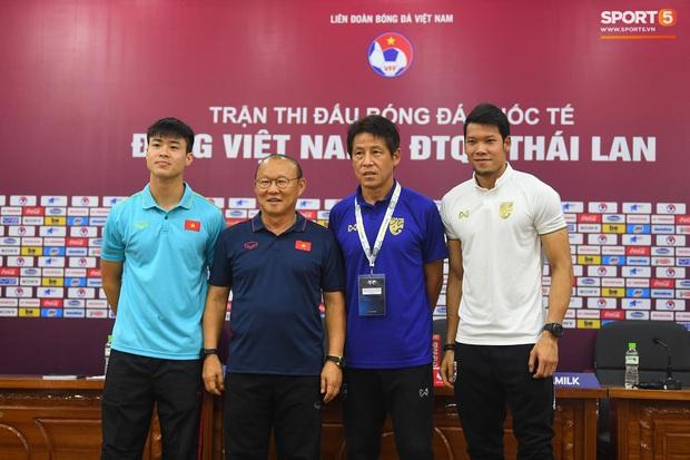 Từng tuyên bố Việt Nam 10 năm nữa mới đuổi kịp Thái Lan, huyền thoại Kiatisuk lại gây bão bằng tuyên bố học trò thầy Park sẽ nếm trái đắng nếu quá tự tin - Ảnh 2.