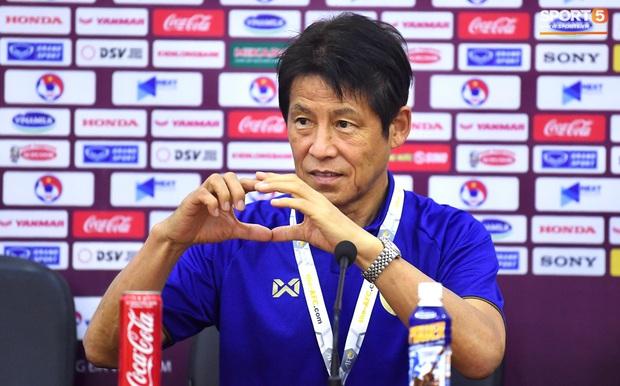 Từng tuyên bố Việt Nam 10 năm nữa mới đuổi kịp Thái Lan, huyền thoại Kiatisuk lại gây bão bằng tuyên bố học trò thầy Park sẽ nếm trái đắng nếu quá tự tin - Ảnh 3.