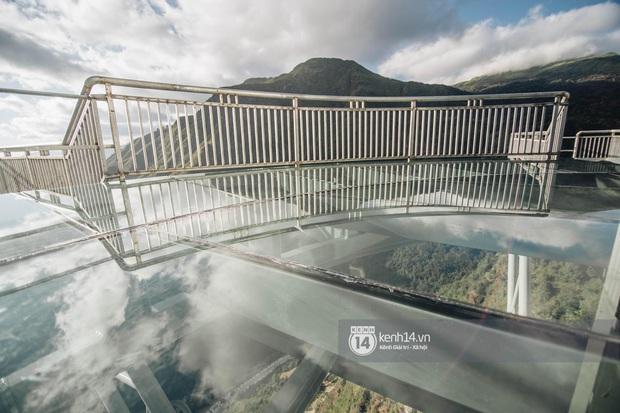 Không chỉ là cảm giác mạnh, đến cầu kính Rồng Mây còn có rất nhiều góc sống ảo chụp ảnh mệt nghỉ - Ảnh 10.