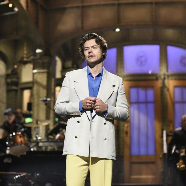Harry Styles đá xéo Zayn thẳng thắn thế này, chẳng còn mộng mơ gì về ngày One Direction tái hợp đủ 5 thành viên nữa! - Ảnh 2.