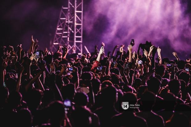YAMAHA Road to Ravolution: DJ Huy DX căng não để tìm ra người chiến thắng, Binz sung đến mức đòi biểu diễn thêm! - Ảnh 2.