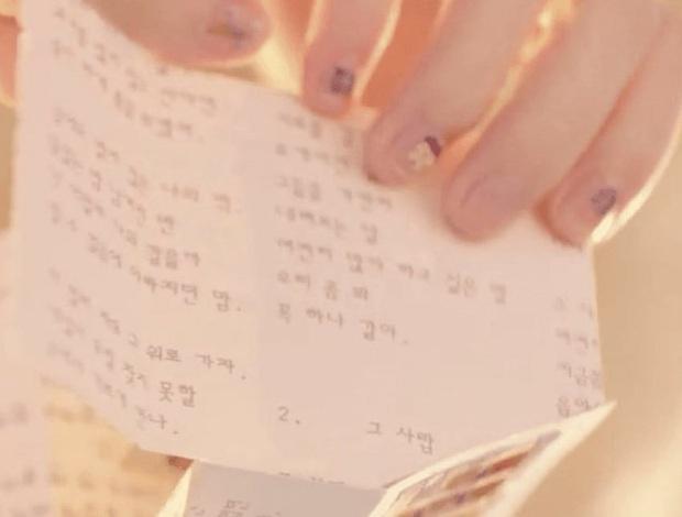 Sốc: chuyện tình xuyên thời gian trong MV IU đã được viết kịch bản từ 7 năm trước, loạt tình tiết ẩn hé lộ sẽ còn phần kết vào ngày 31/12? - Ảnh 29.